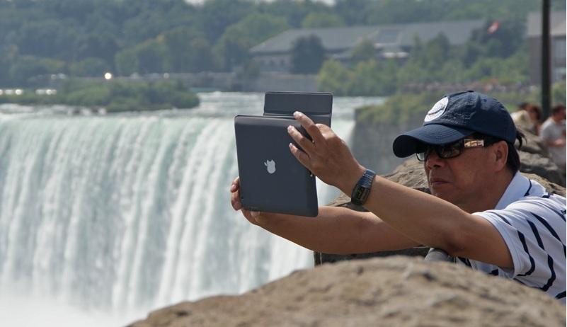 les touristes et leurs ipads